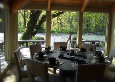 McKenzie River vacation home rental dining room