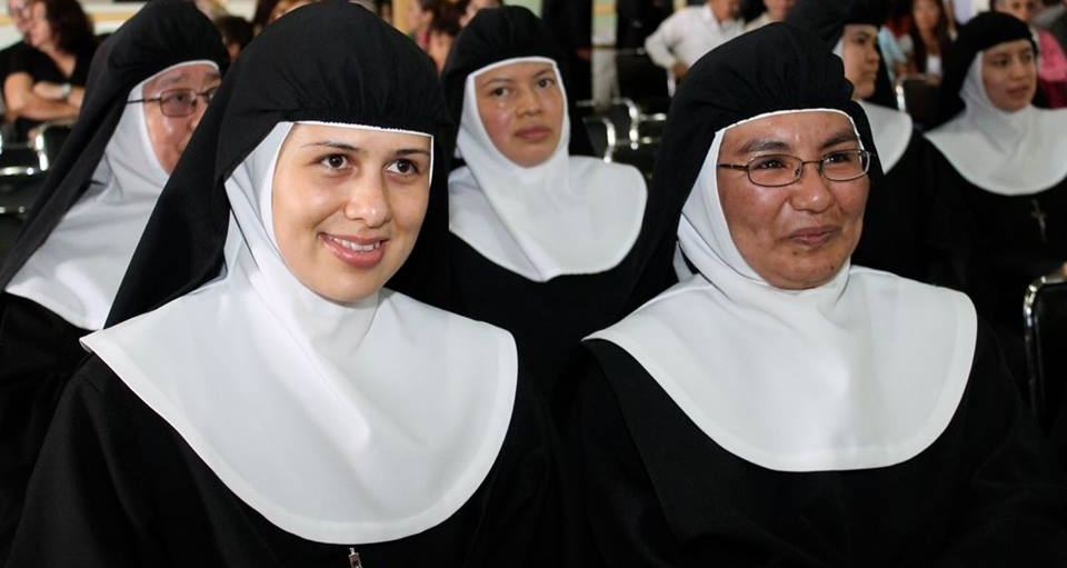 Vatican warns nuns: Use Social Media 'With sobriety and discretion'