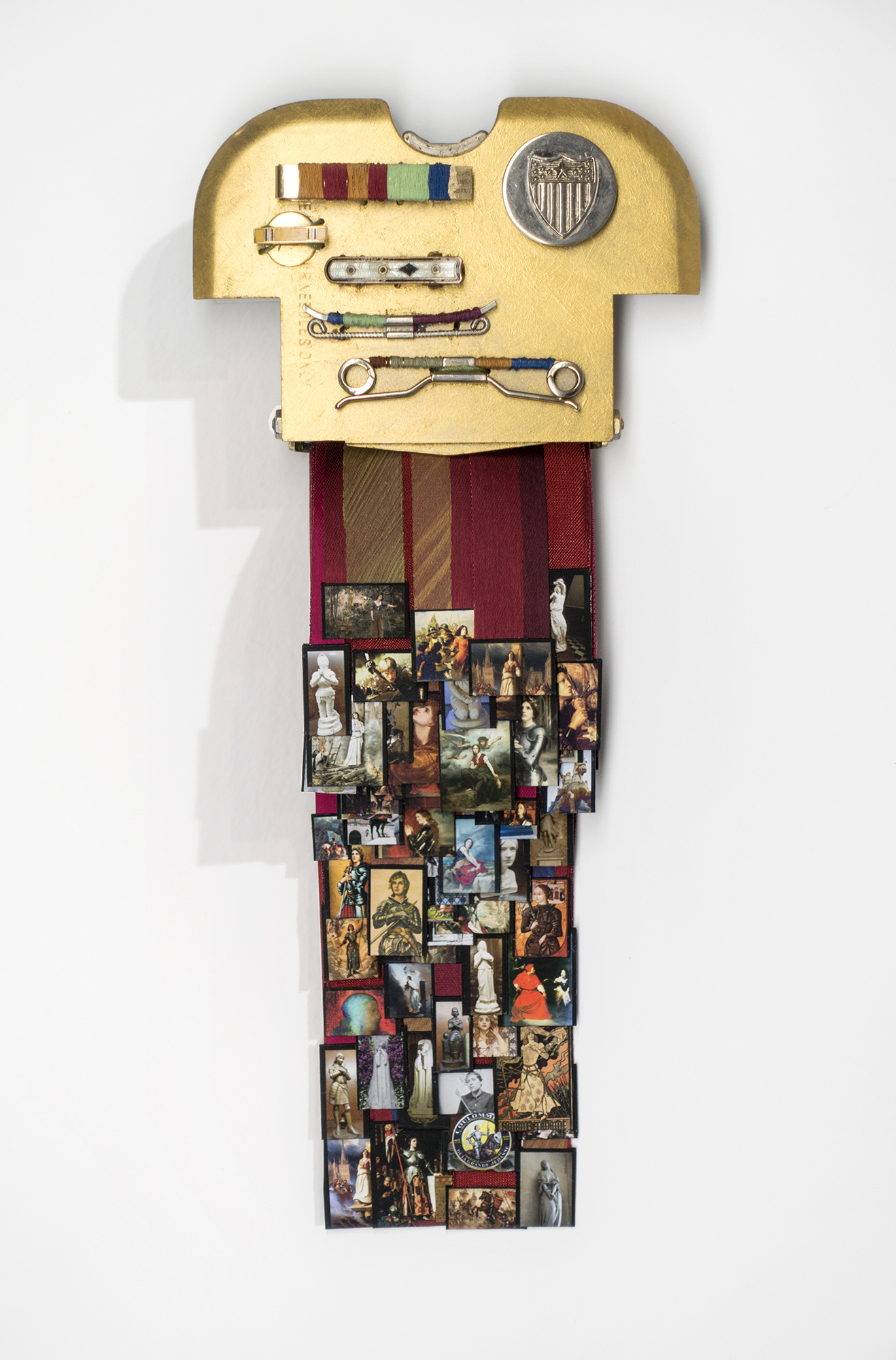 """""""Intrusion"""" contains prints of 100 painted and sculptural representations Jeanne d'Arc."""