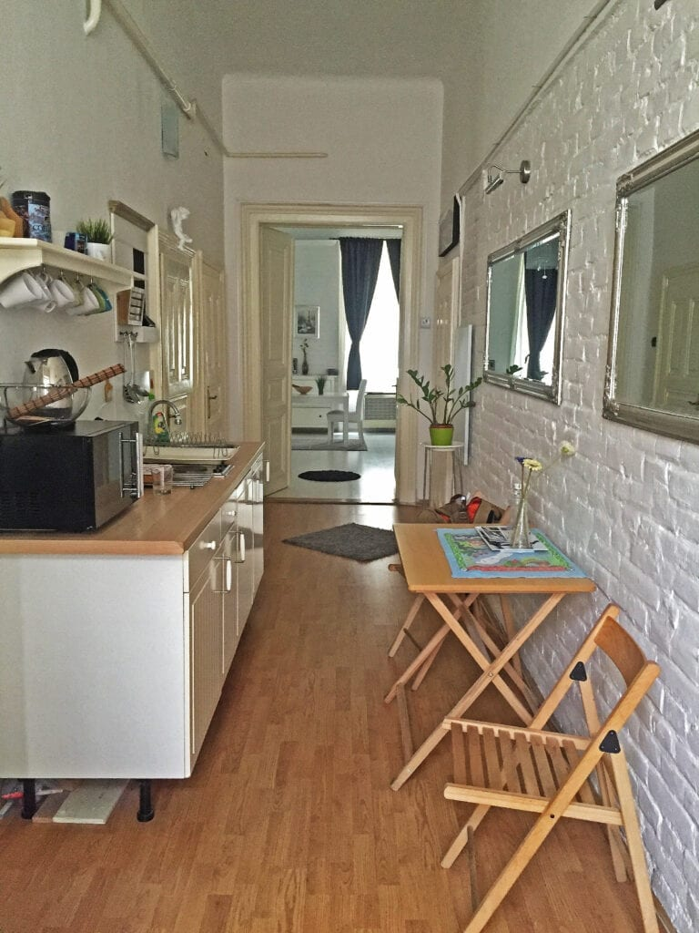 kitchen airbnb budapest hungary