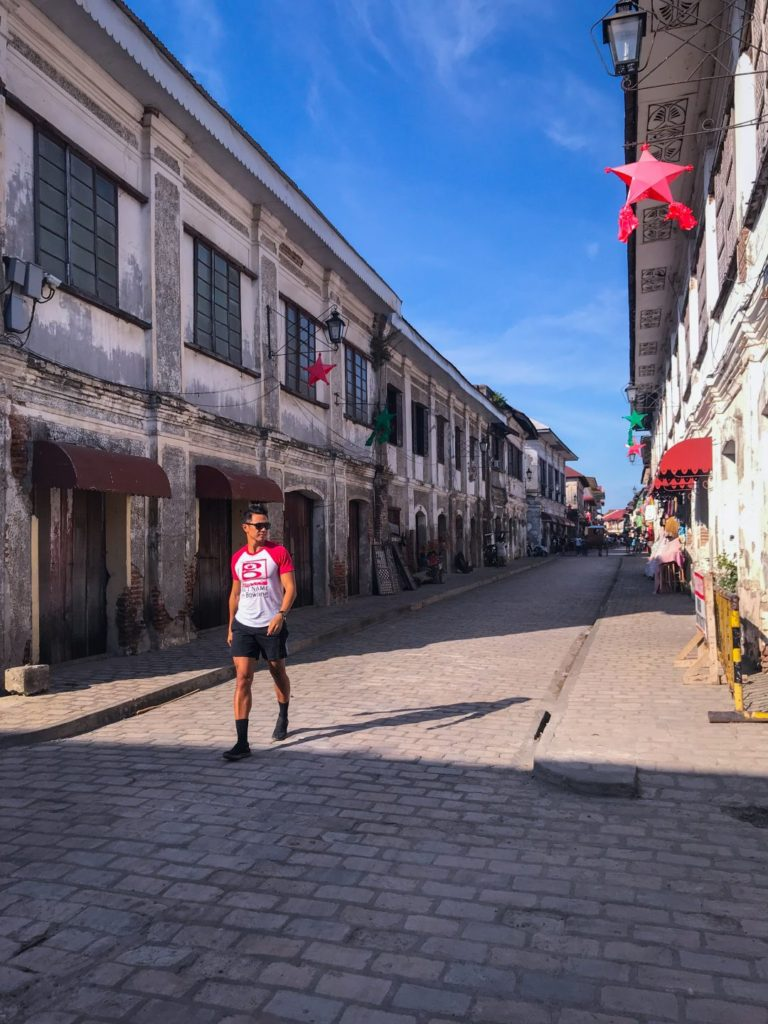 christmas time in calle crisologo in vigan