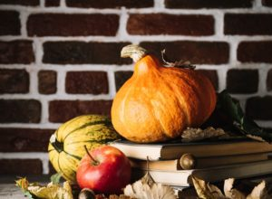 16 Tips to Create A Cozy Autumn Home
