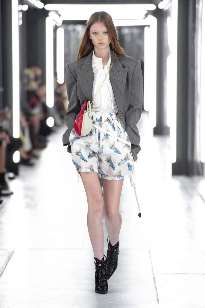 spring-summer-2019-Louis-Vuitton-strong-shoulders-80s-silhouette