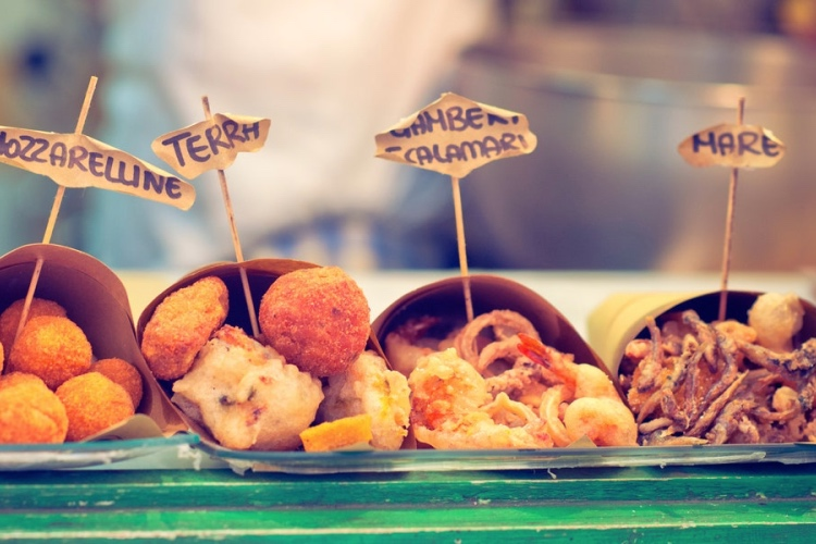 🏆 Small-group Street Food Tour