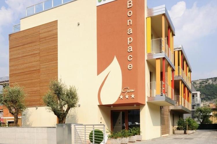 Hotel Bonapace - Lake Garda (Torbole)
