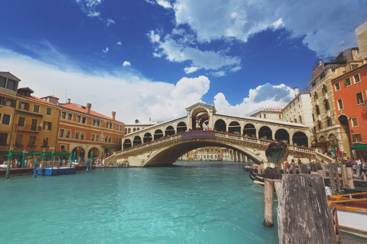 Venice Walking Guided Tour and Gondola Ride