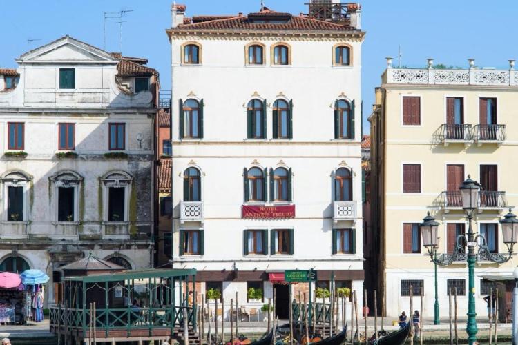 Hotel Antiche Figure - Venice - Santa Lucia