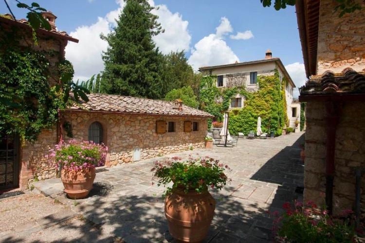 Borgo San Luigi - Strove