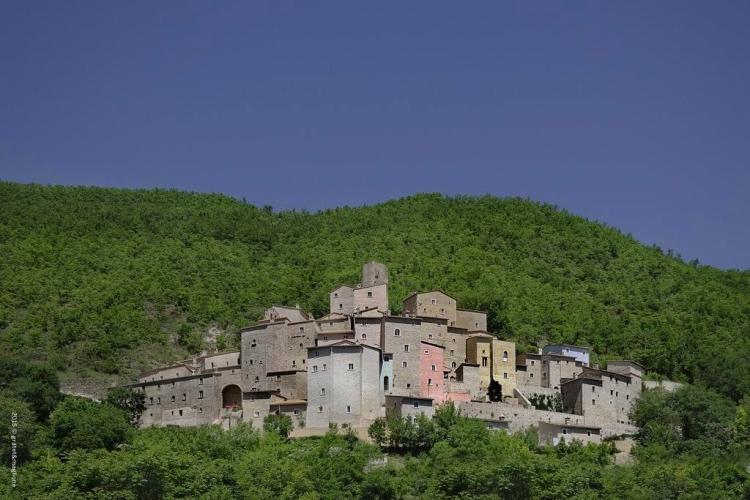 Castello di Postignano - Sellano (Spoleto area)