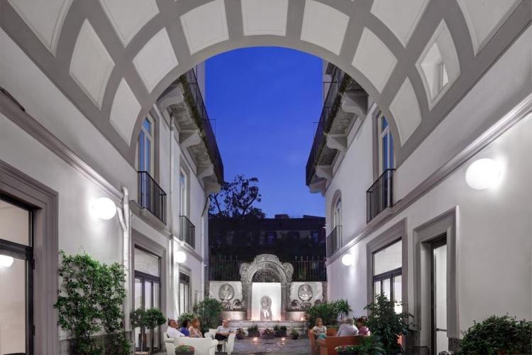 Hotel Piazza Bellini - Naples