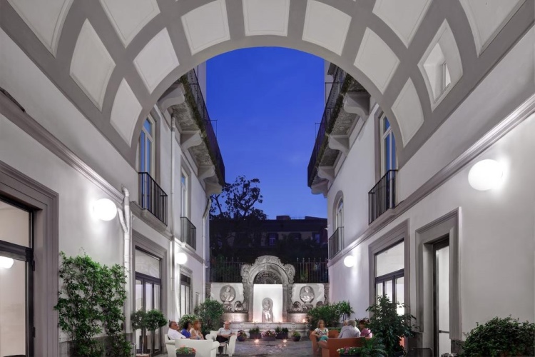 Hotel Piazza Bellini - Naples
