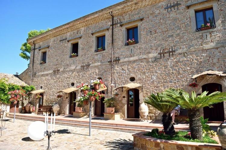 Vecchia Masseria - Caltagirone (Catania area)