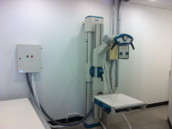 Refurbished Straight Arm X Ray Machine with Mobile Table