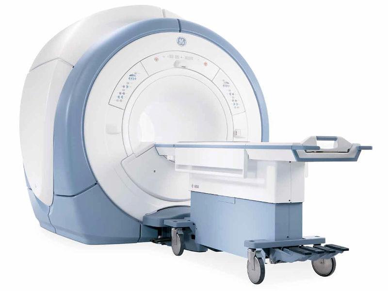 Signa HDXT 3T MRI Machine