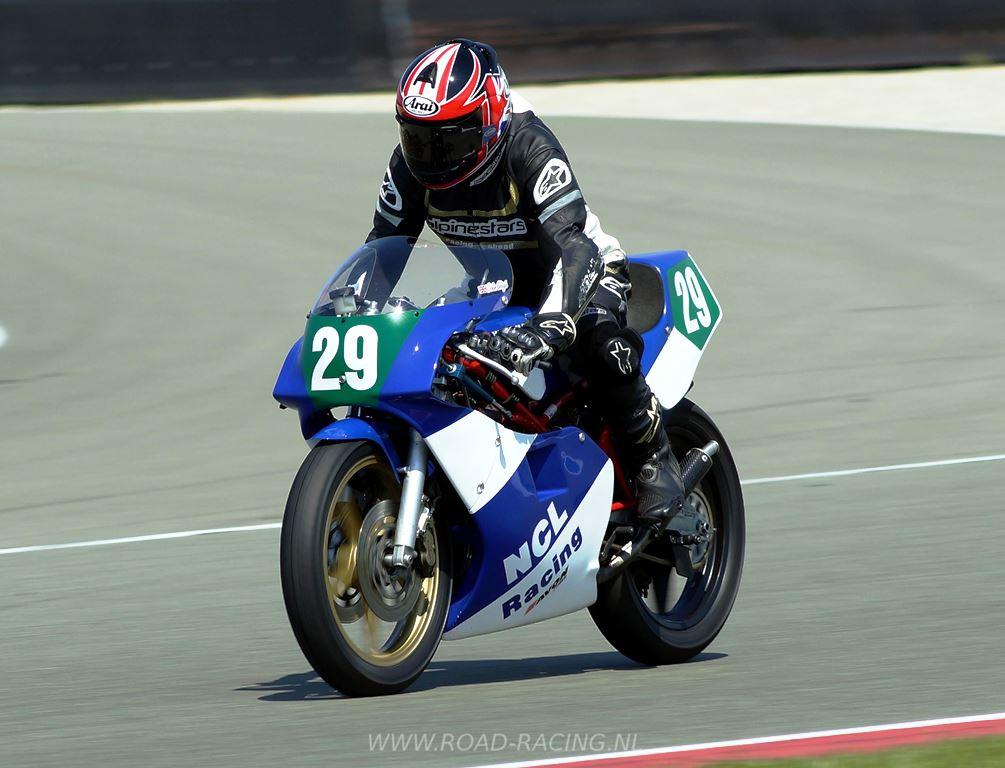 Colin Sleigh (Yamaha TZ), vencedor da segunda prova. (ICGP Brasil)