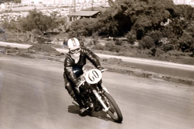 Estréia em corridas de motocicletas, em 1969: Ducati 250 Mk3. Foto Acervo Marazzi / Motostory