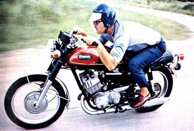 Primeiros testes de motocicletas para a revista Quatro Rodas, em 1968. Foto Acervo Marazzi / Reprodução / Motostory