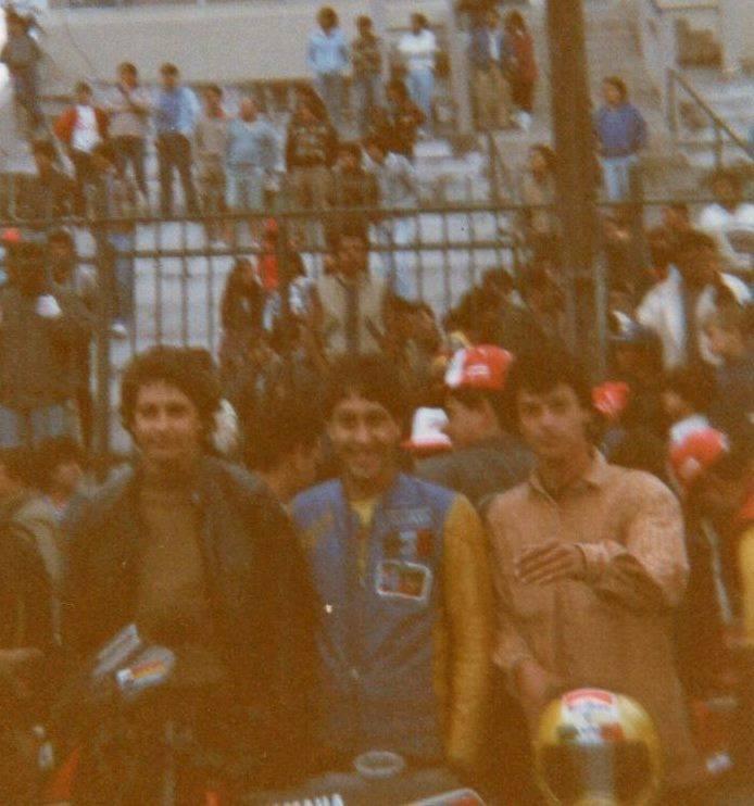 Jacinto Sarachú (esq), Paulo Mansi e o Embaixador Motostory José Luiz Gonsalves Foto: acervo José Luiz / Motostory