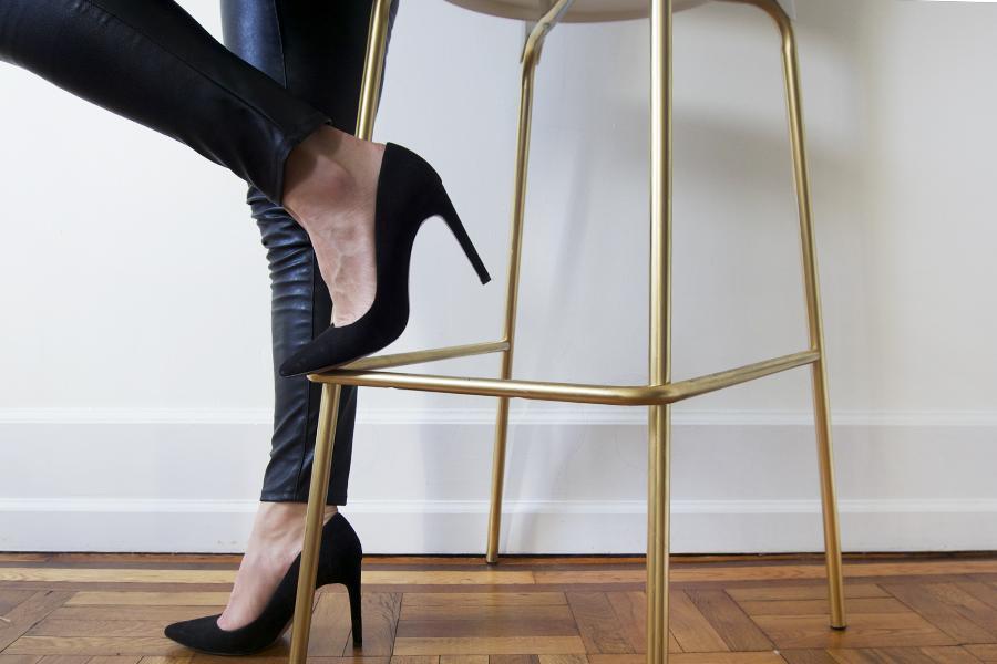 diy-gold-bar-stools-black-pumps