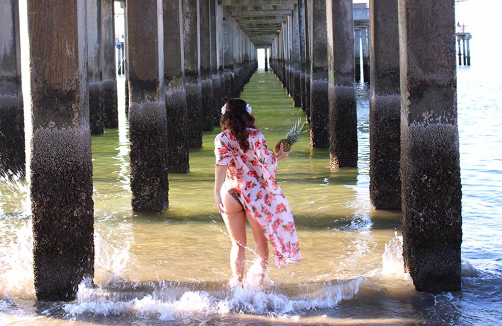 CURVY-bikini-model-pineapple-17