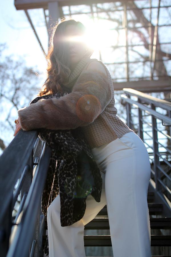 wide-leg-white-pant-fur-sleeve-sweater