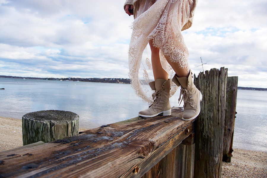 lace-skirt-combat-boots-curvy-blogger-outfit-6