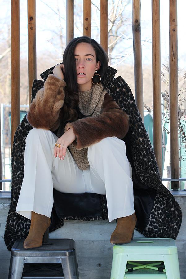 wide-leg-white-pant-fur-sleeve-sweater-32