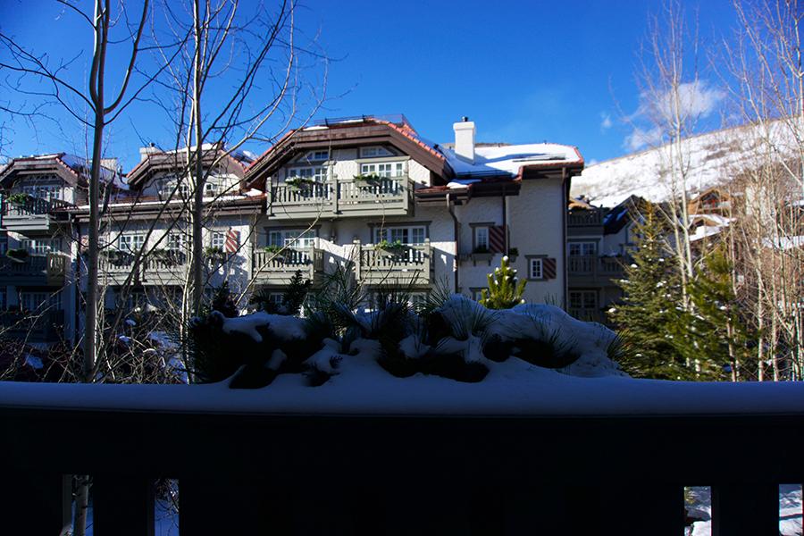 Vail-Colorado-us-burton-open-skiing-travel-blogger-35