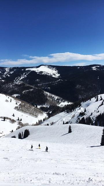 Vail-Colorado-us-burton-open-skiing-travel-blogger-8