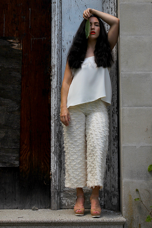 all-white-summer-stylist-outfit-17