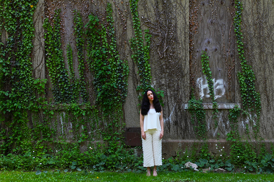 all-white-summer-stylist-outfit-24