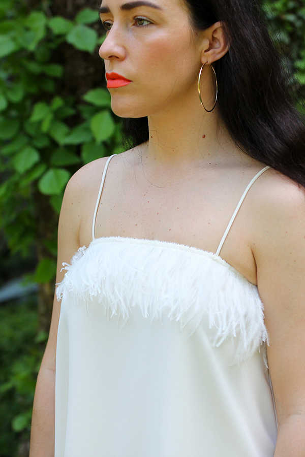 all-white-summer-stylist-outfit-27