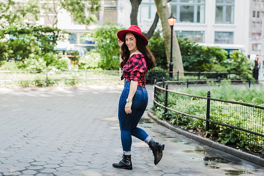 thursday-boots-curvy-influencer-ootd-6