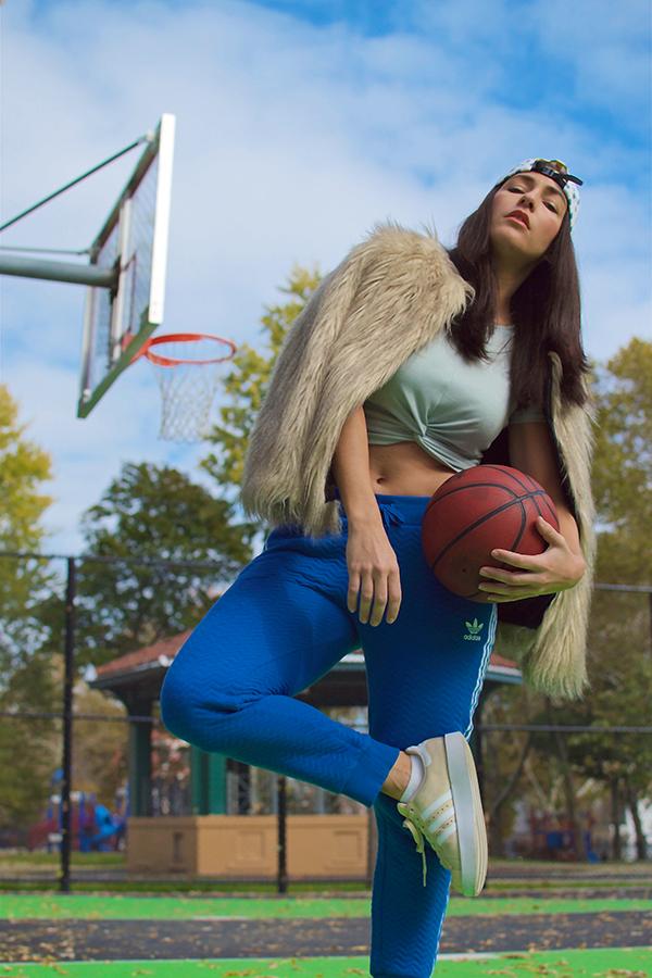curvy-basketball-player