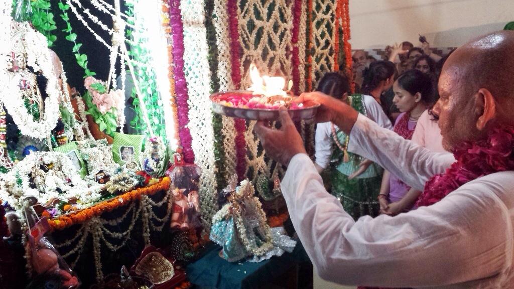 Hariyali Teej was Celebrated At Radha Ras Mandir