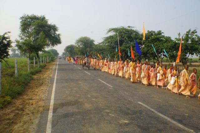 Rādhārāṇī Braja Yatra: Nandagram Day 3 2014