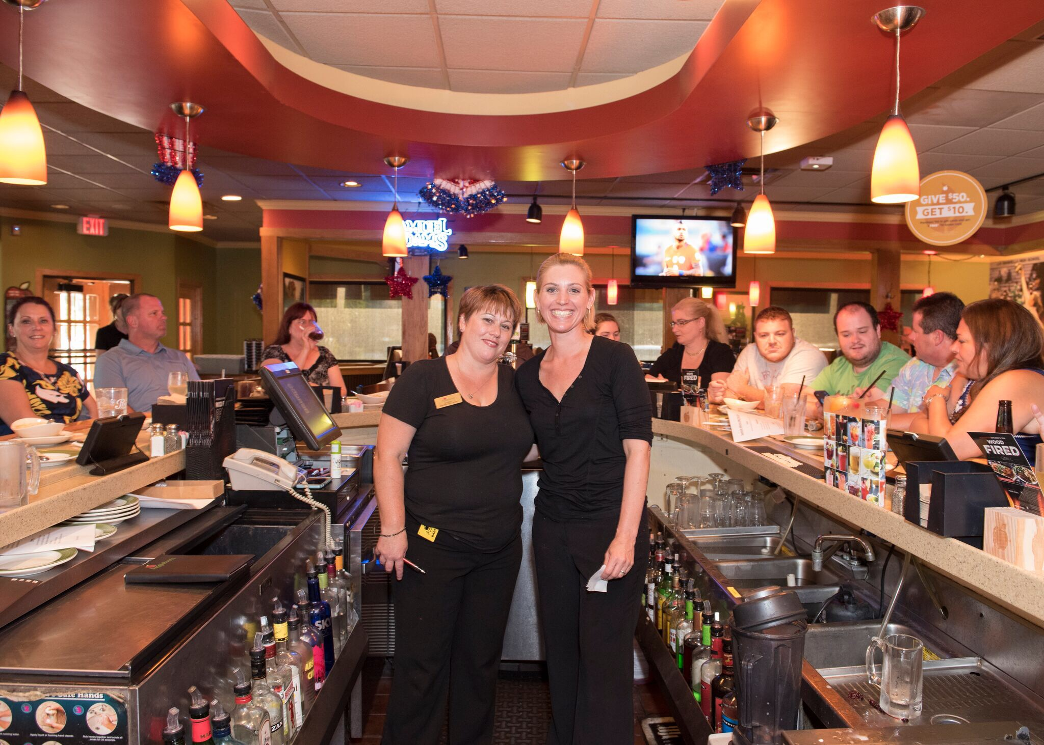 Our Servers/Bartenders and my friends Candy and Jaci. Welcome To Dining With Dan I Cook.