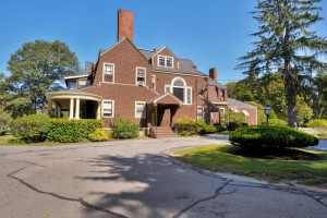 156 Chestnut St Andover, MA for Sale
