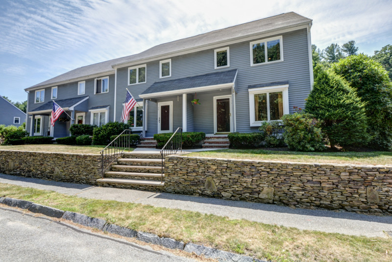 36 Country Hollow Lane Haverhill, MA - Town House For Sale