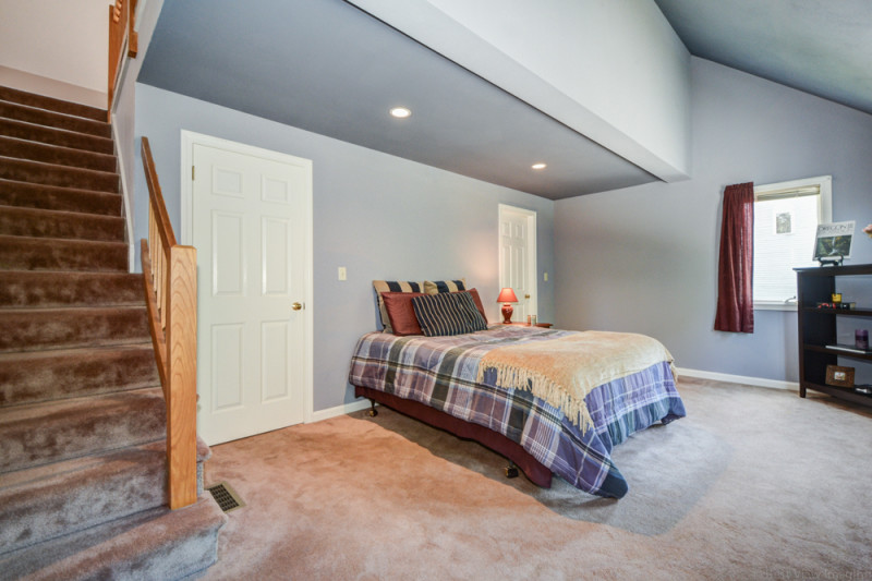 Master Bedroom - Country Hollow Village for Sale