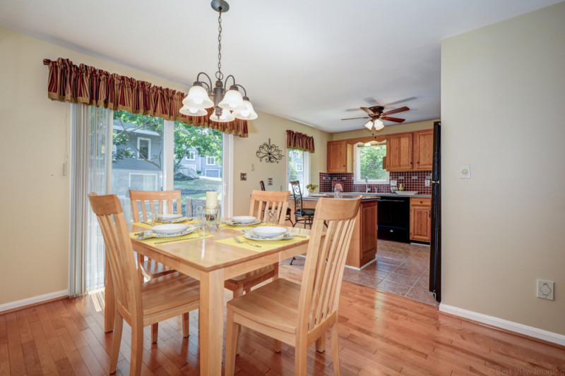 Condo in Country Hollow Village for Sale