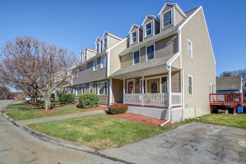 Merrimack Meadows Tewksbury Townhouse for Sale