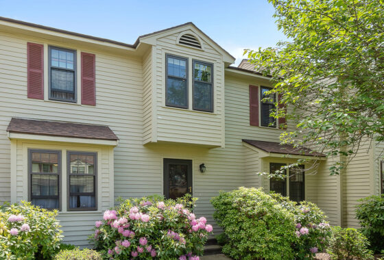 75 Apache Way Tewksbury, MA