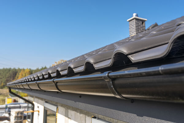 Signs Your Gutters Or Downspouts Need Replacing