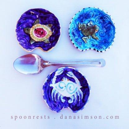 Danasimson.com Crab, turtle & frog raised image food safe ceramic.handmade ceramic spoon rests