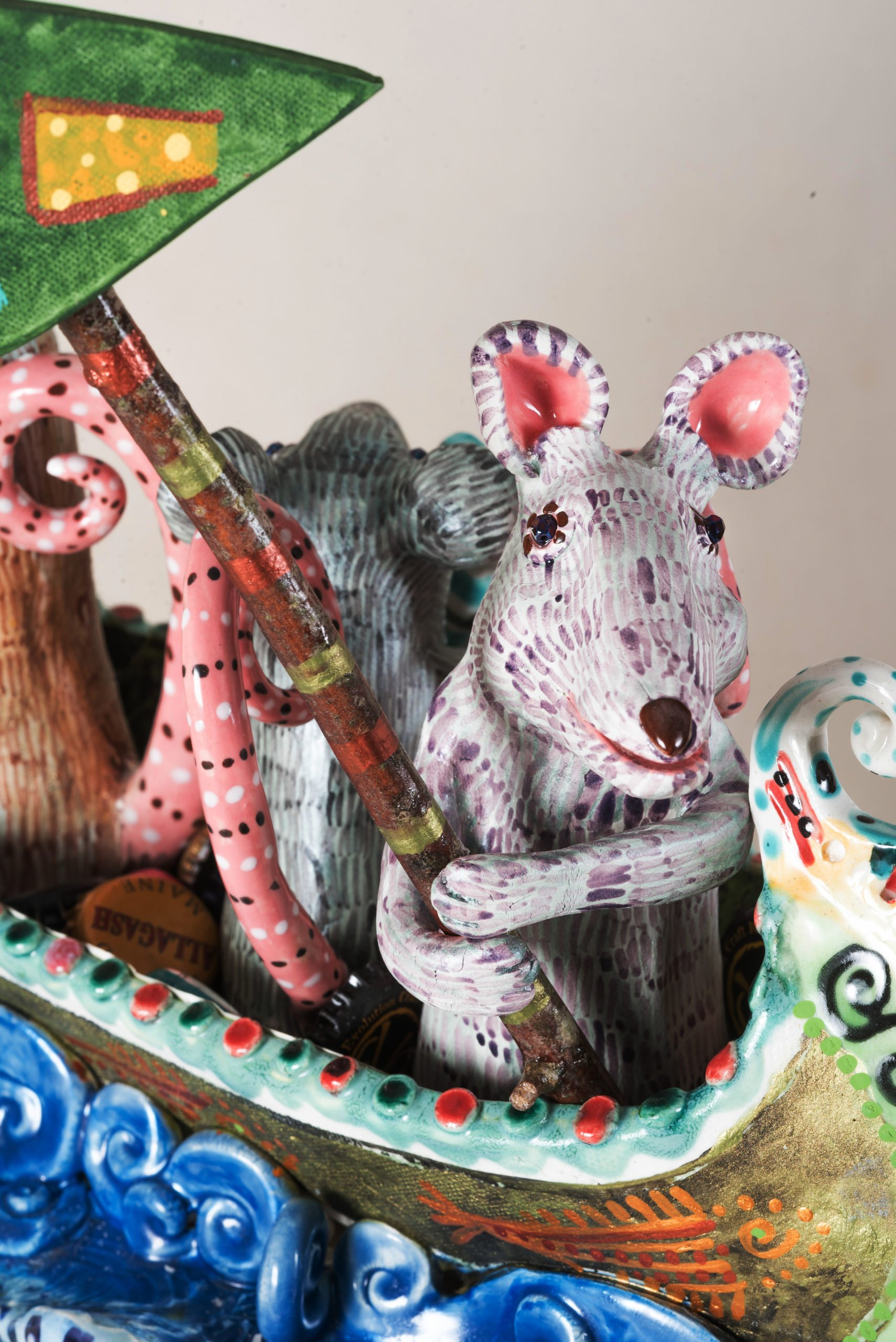 detail rat with cheese flag