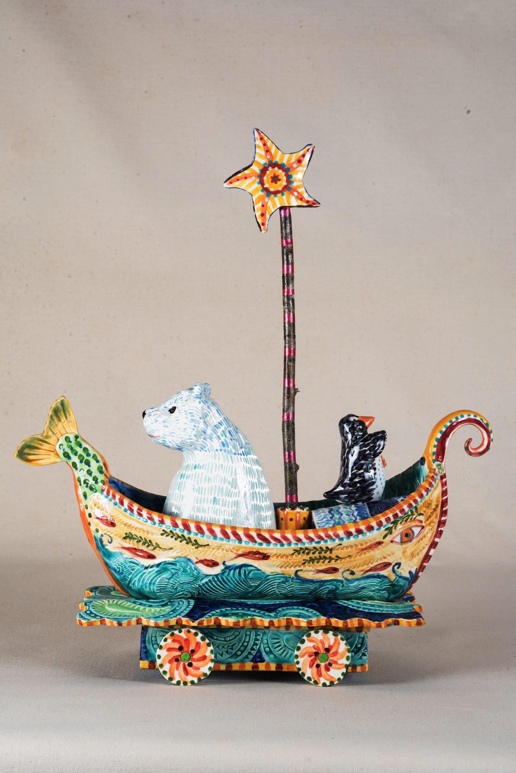 A polar bear looks backward and a penguin searches the future