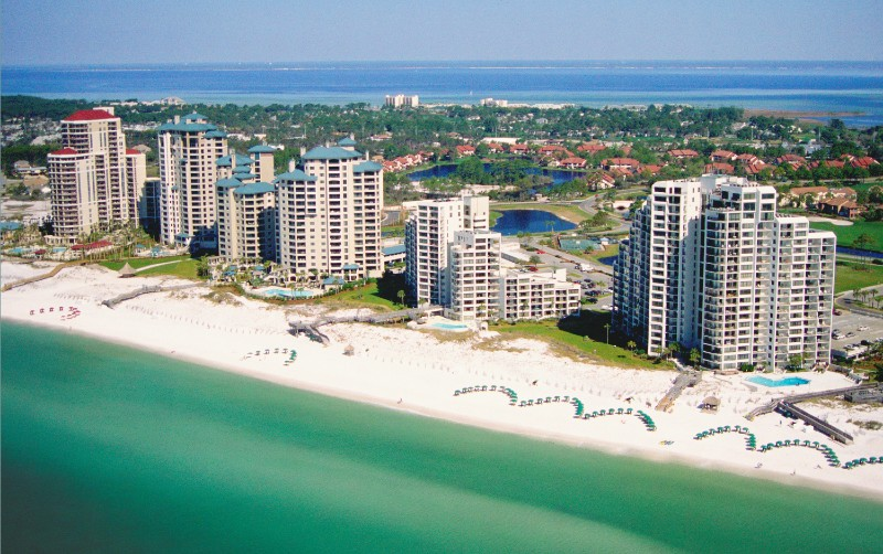 Highrise hotel resort on the white sand beach of Destin Florida