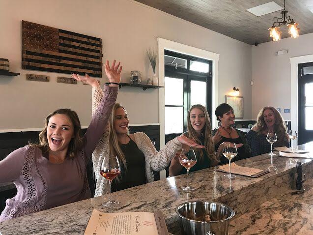 customers at wine bar - Vino et Amicis