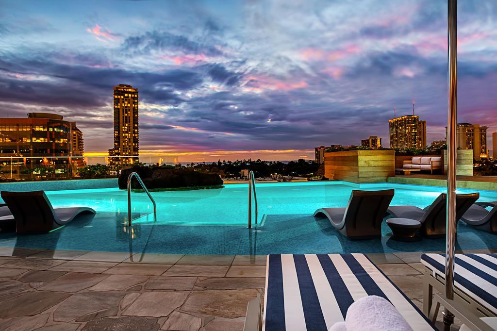 Honolulu Hawaii, Ritz-Carlton Waikiki